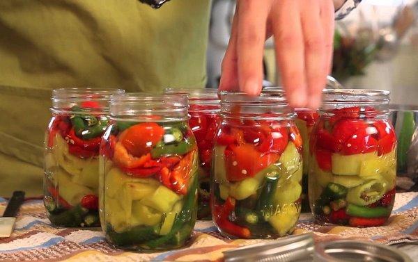 Овощи, готовые к консервации