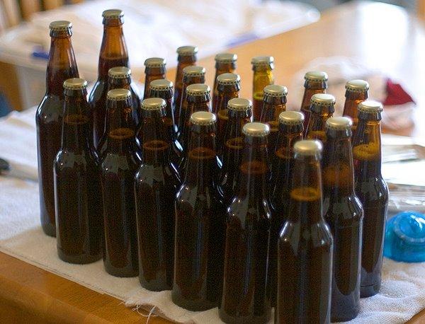 На фото – укупоренное пиво